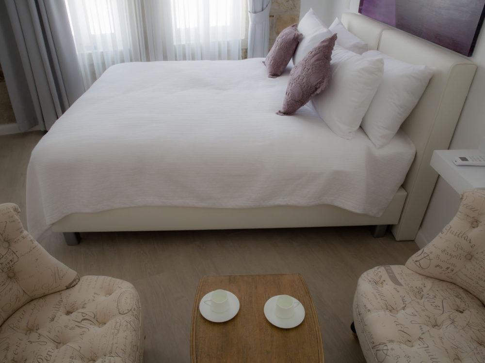 Bozcaada Esinti Otel - Odalar - Gündoğusu